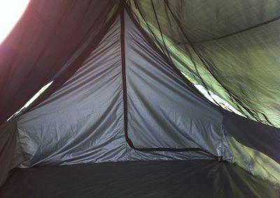 Teimme talomaisesta teltasta prototyypin, jonka koimme kuitenkin liian monimutkaiseksi ja kestämättömäksi.